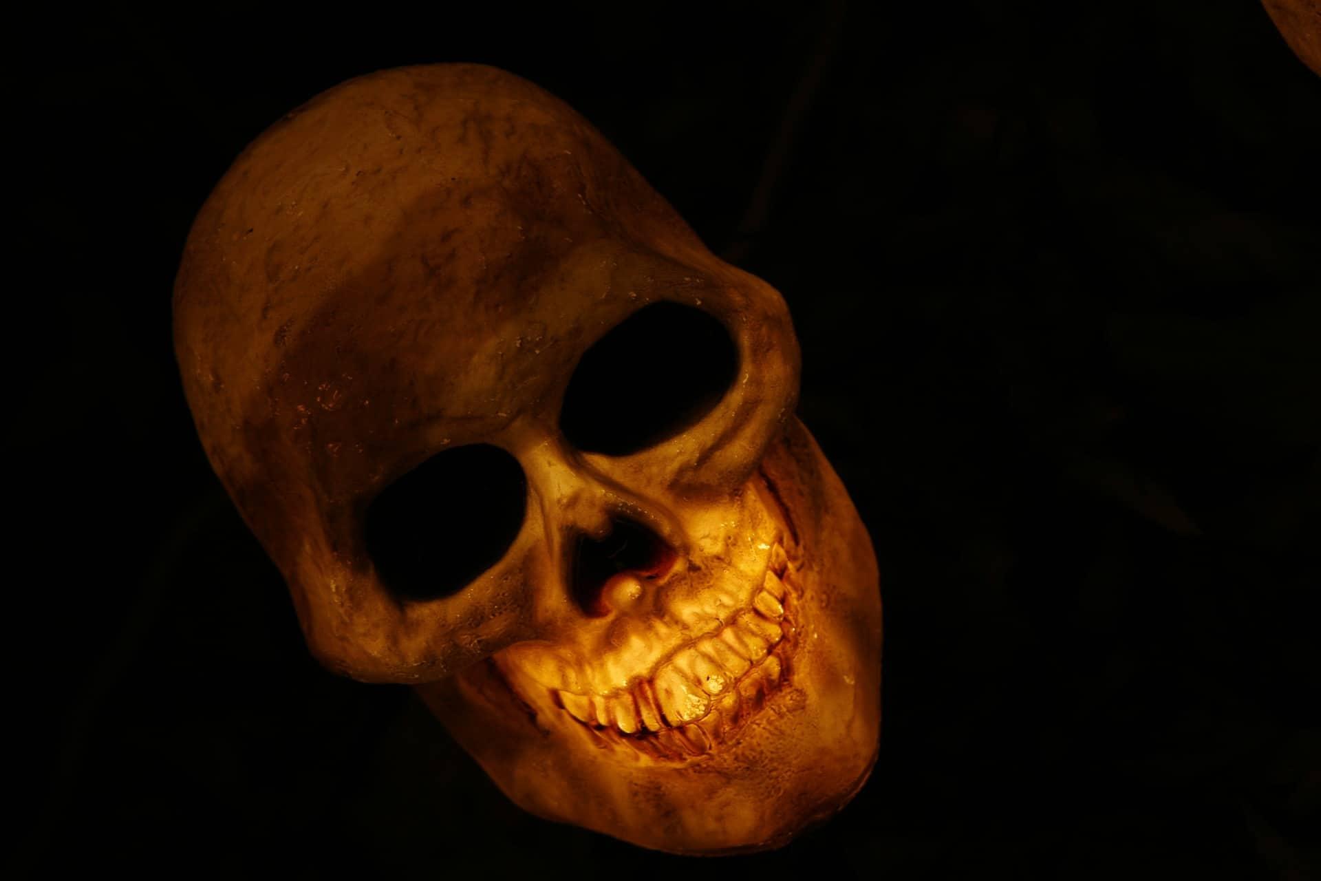 Question insolite : les cehveux poussent-ils après la mort ?